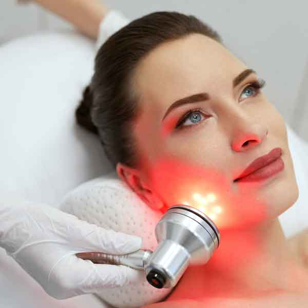 sharone-skin-specialist-led-light-therapy-female