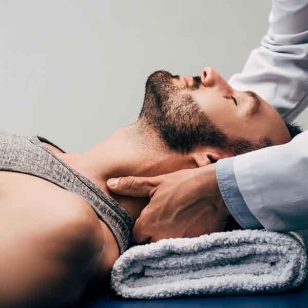 sharone-skin-specialist-neck-and-shoulder-massage