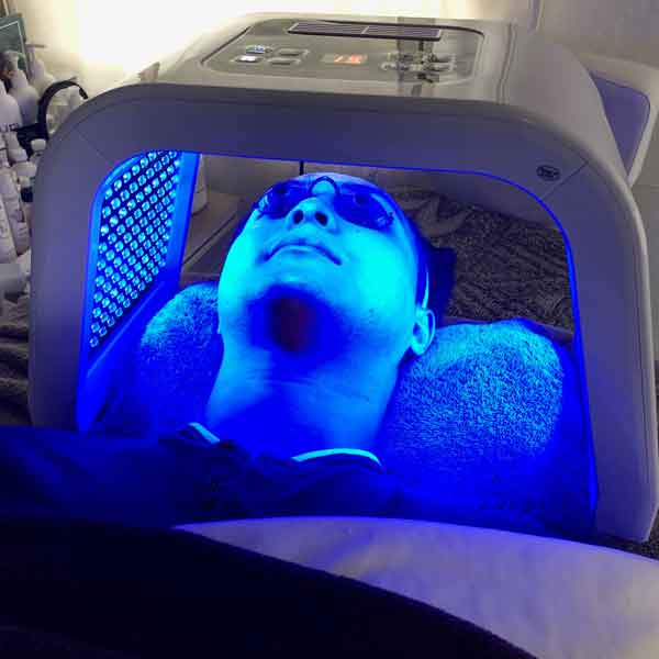 sharone-skin-specialist-led-light-therapy-blue