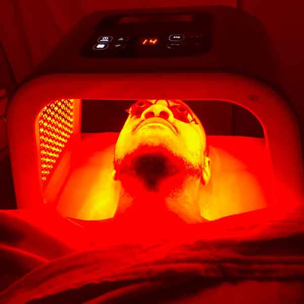 sharone-skin-specialist-led-light-therapy-red